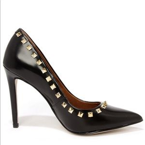 Steve Madden | Studded Pointed Toe Pumps